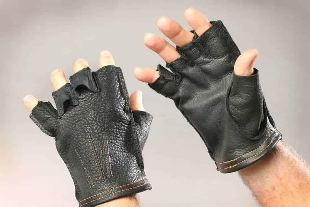Men's and Women's Fingerless Gloves made of buffalo are ...