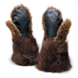 buffalo-fur-mittens-palm